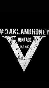 "OAKLAND HONEY ""V"" TEE BLACK/WHITE"