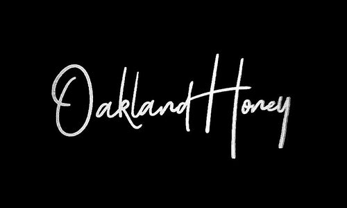 OAKLAND HONEY SIGNATURE TEE BLACK/WHITE