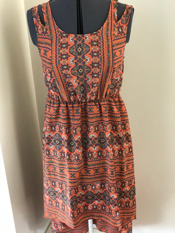 Peppermint - Aztec High Low Dress with Elastic Waist Keyhole Back - Sz Medium