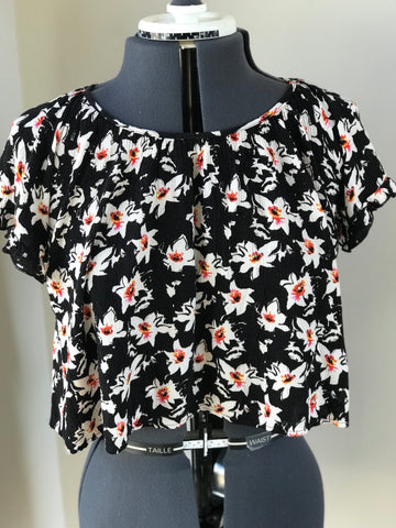 Lush - Flowy Floral Boho CrissCross Exposed Back Crop Top - Sz Small - HEART 'n' SLEEVE