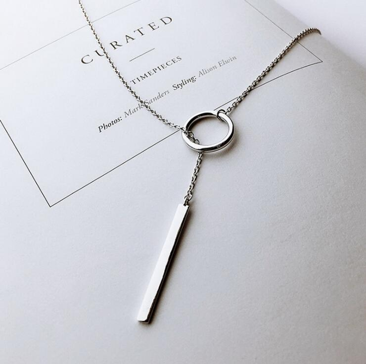 Women's Circle with Bar Chain Necklace