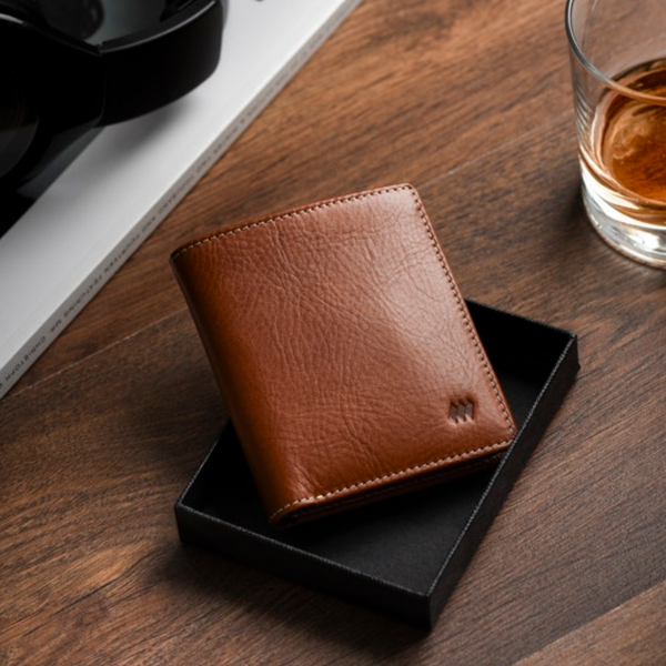 Slim Minimalist Premium Leather Billfold Wallet