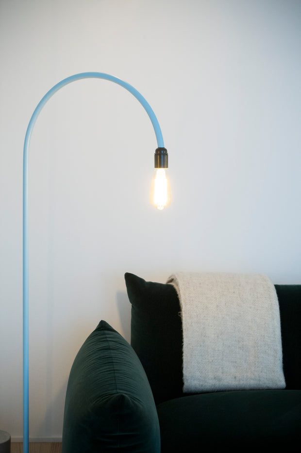 Bultin Minimalistic Floor Lamp - Colourful Eye-Catcher with Concrete & Steel.