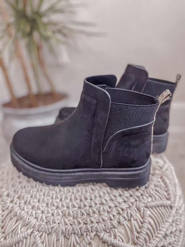 The Wren Boot in Black