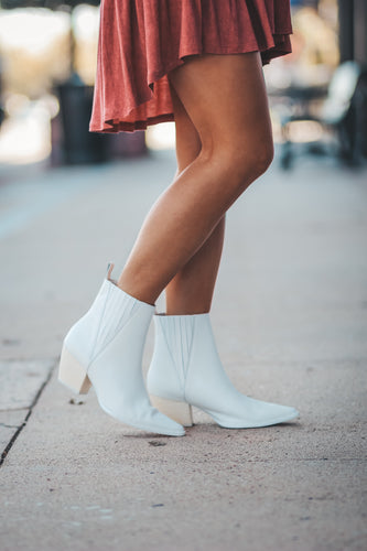 Elevation White Matisse Boot