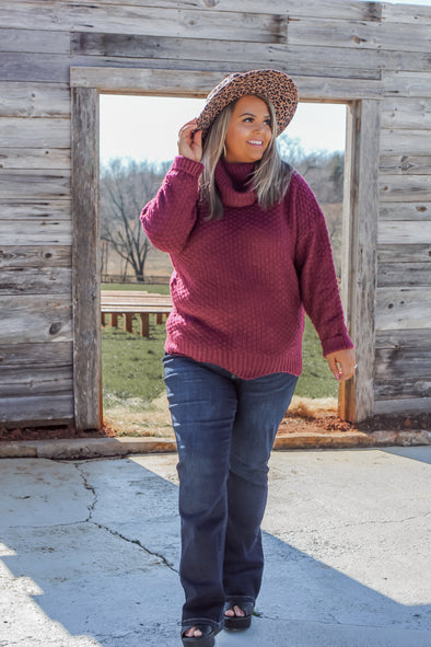 Curvy Wine Scallop Hem Sweater