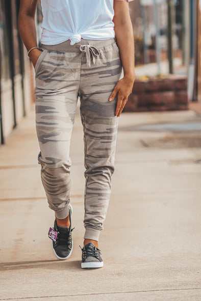 Z Supply Camo Jogger in Light Sage