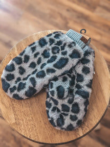 CC Leopard Faux fur Gloves in Two Colors
