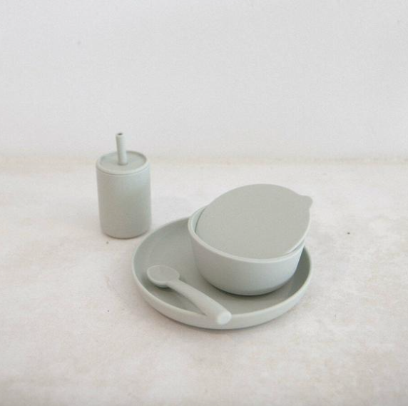 cloud dinner set | rommer - big little noise