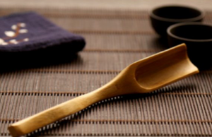 bamboo long handle scoop