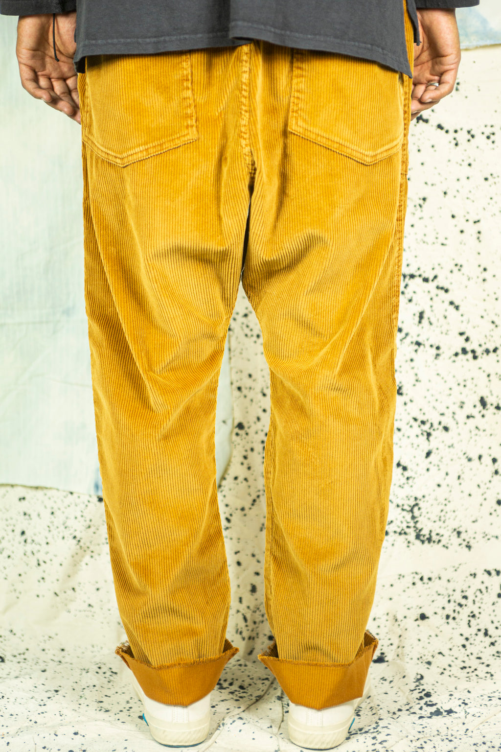 P23 big well Corduroy in Burnt Orange