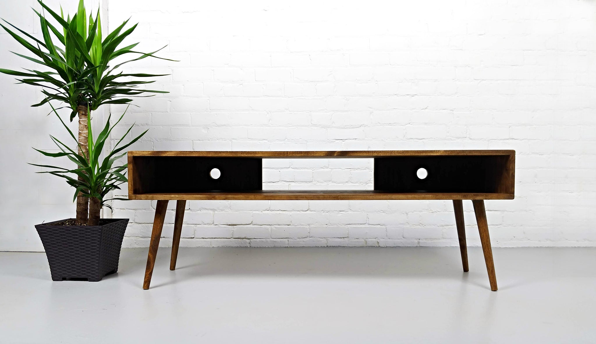 Picture of: Mid Century Modern Media Tv Console Vybe Vybe