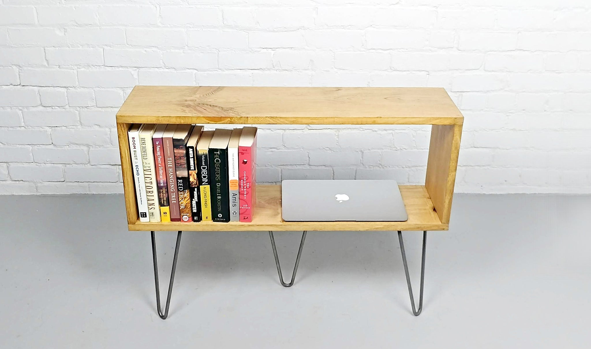 Charmant DREVO   Side Table, Bookshelf With An Oak Finish On Hairpin Legs