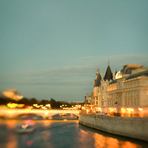 Love along the Seine