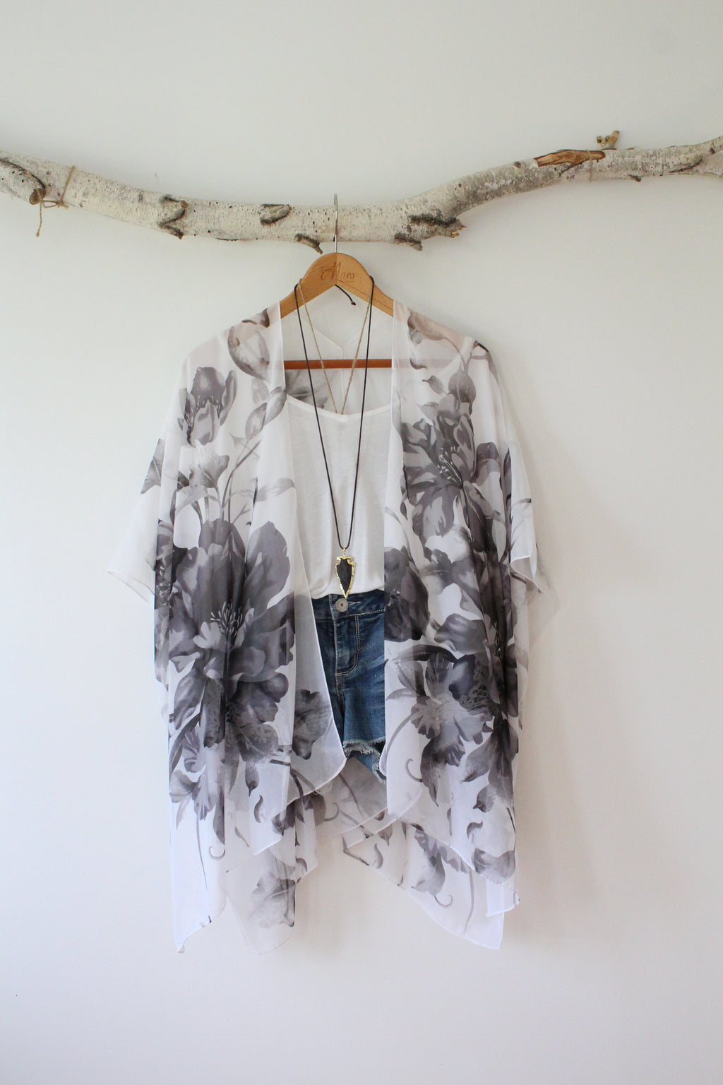 Blooming Tulips | Bohemian Kimono with Grey Flower Patterns