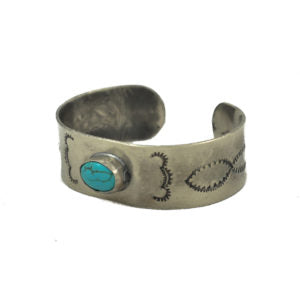 1 STONE TURQUOISE BRACELET WITH CLOUD STAMPING