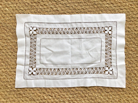 PULLED LACE LINEN PLACEMAT - Made by McNamara