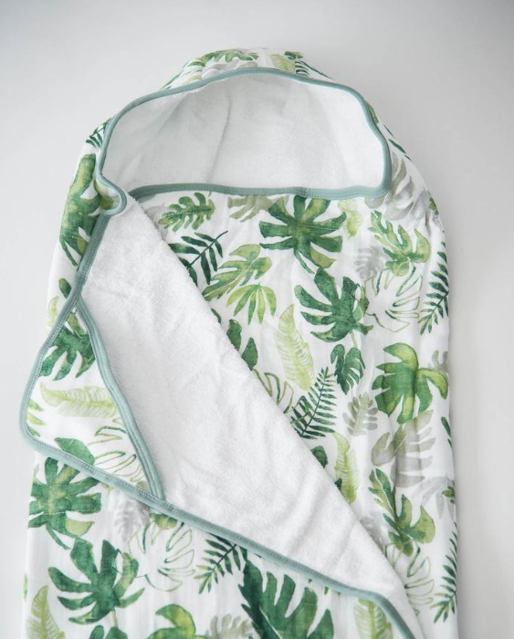 HOODED TOWEL AND WASHCLOTH SET - TROPICAL LEAF