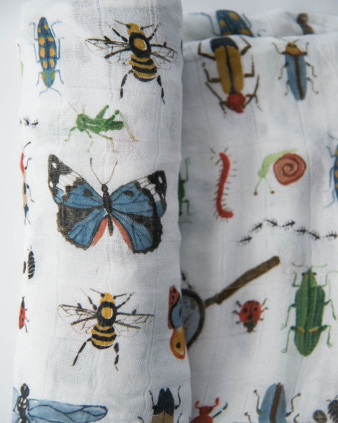 DELUXE MUSLIN SWADDLE - BUGS - Made by McNamara