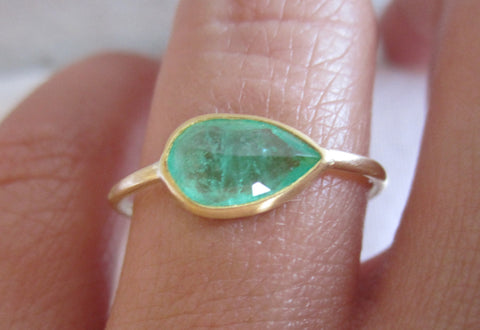 Pear Shaped Rose Cut Emerald Ring | Round Band