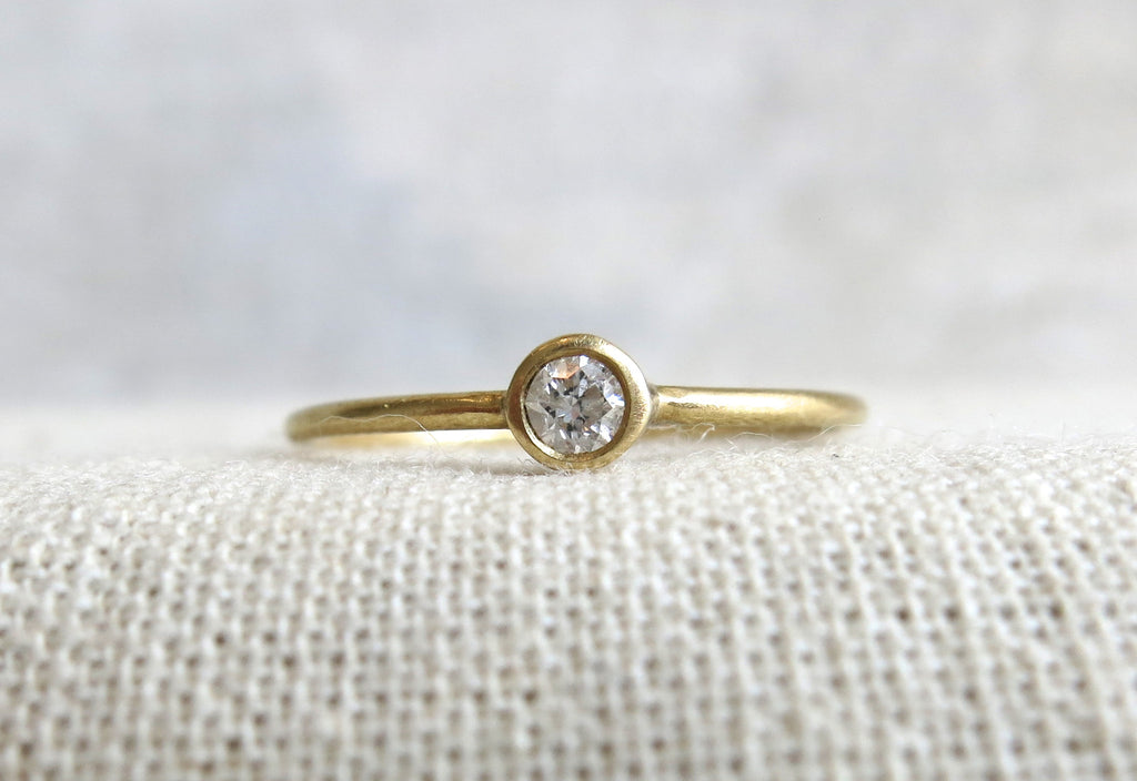 Mini Knuckle Ring | .10ct