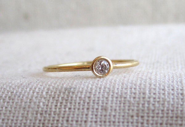 Mini Knuckle Ring | .05ct