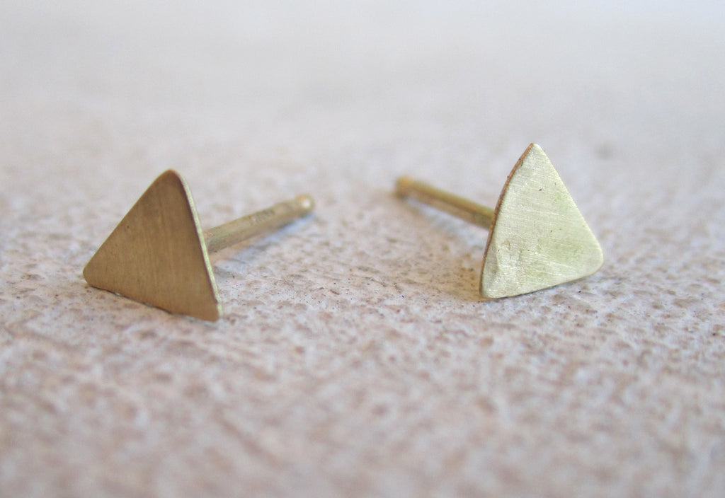 Thin Pyramid Shape Studs