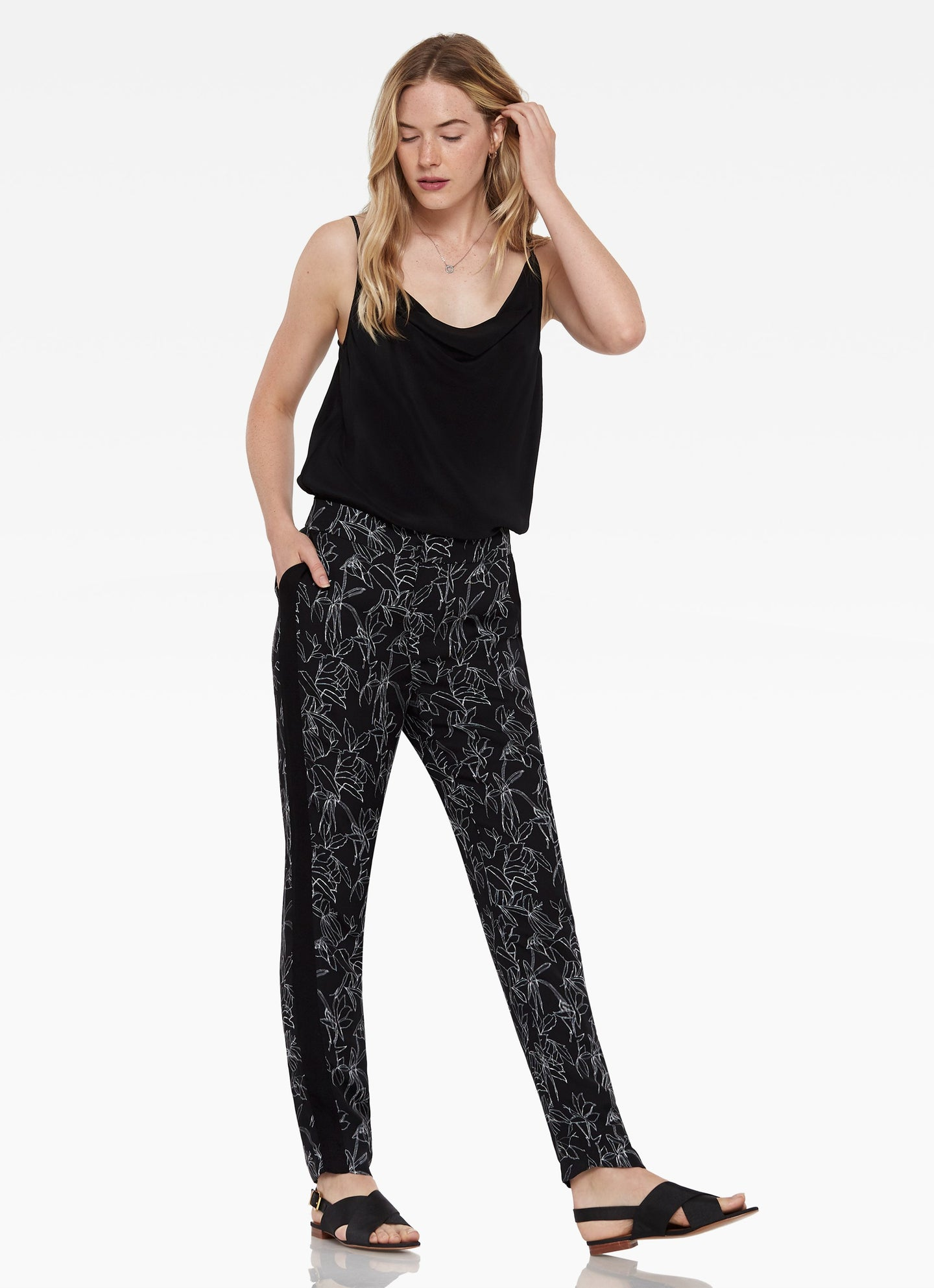 Hudson Sketched Tropical Pant in Black