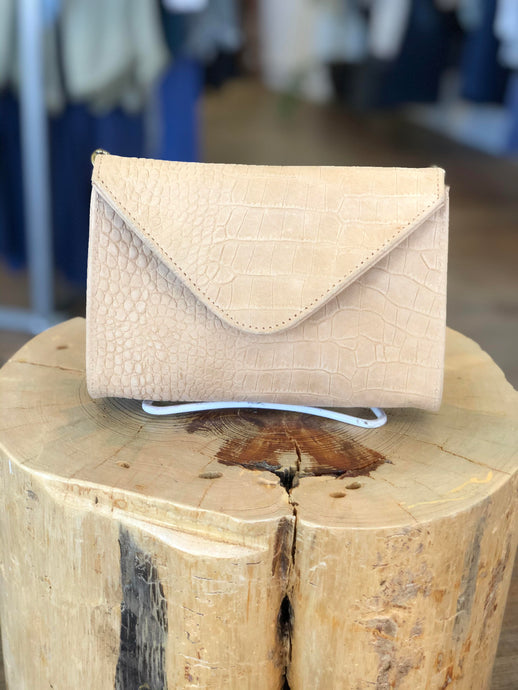 Hilary Mini Clutch in Latte Hornback