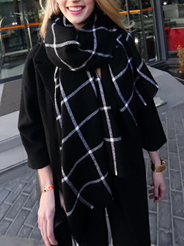 Pretty Black and White Checked Scarf
