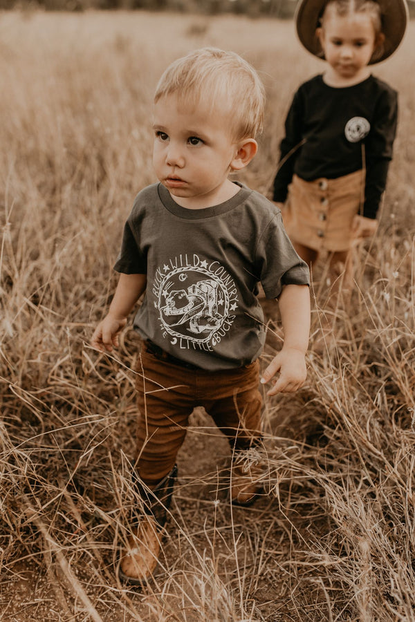 WANDERING LITTLE BUCK COAL TEE