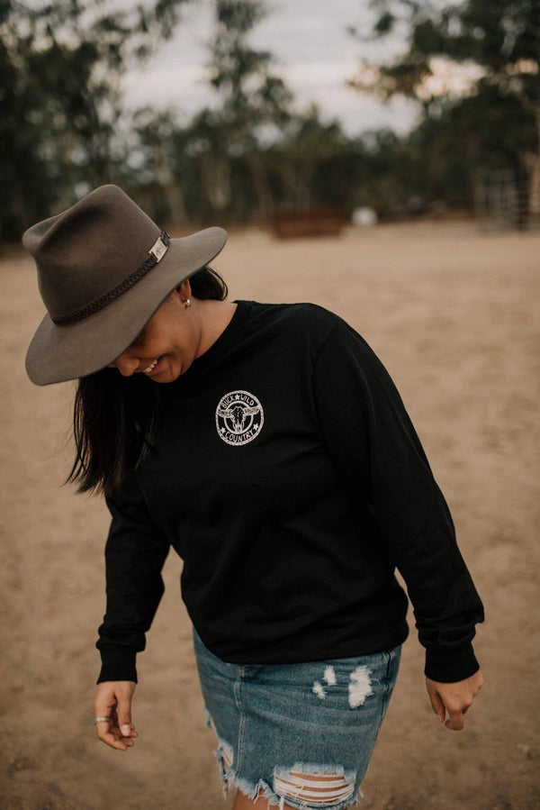 BLACK LONG SLEEVE BUCK WILD TEE