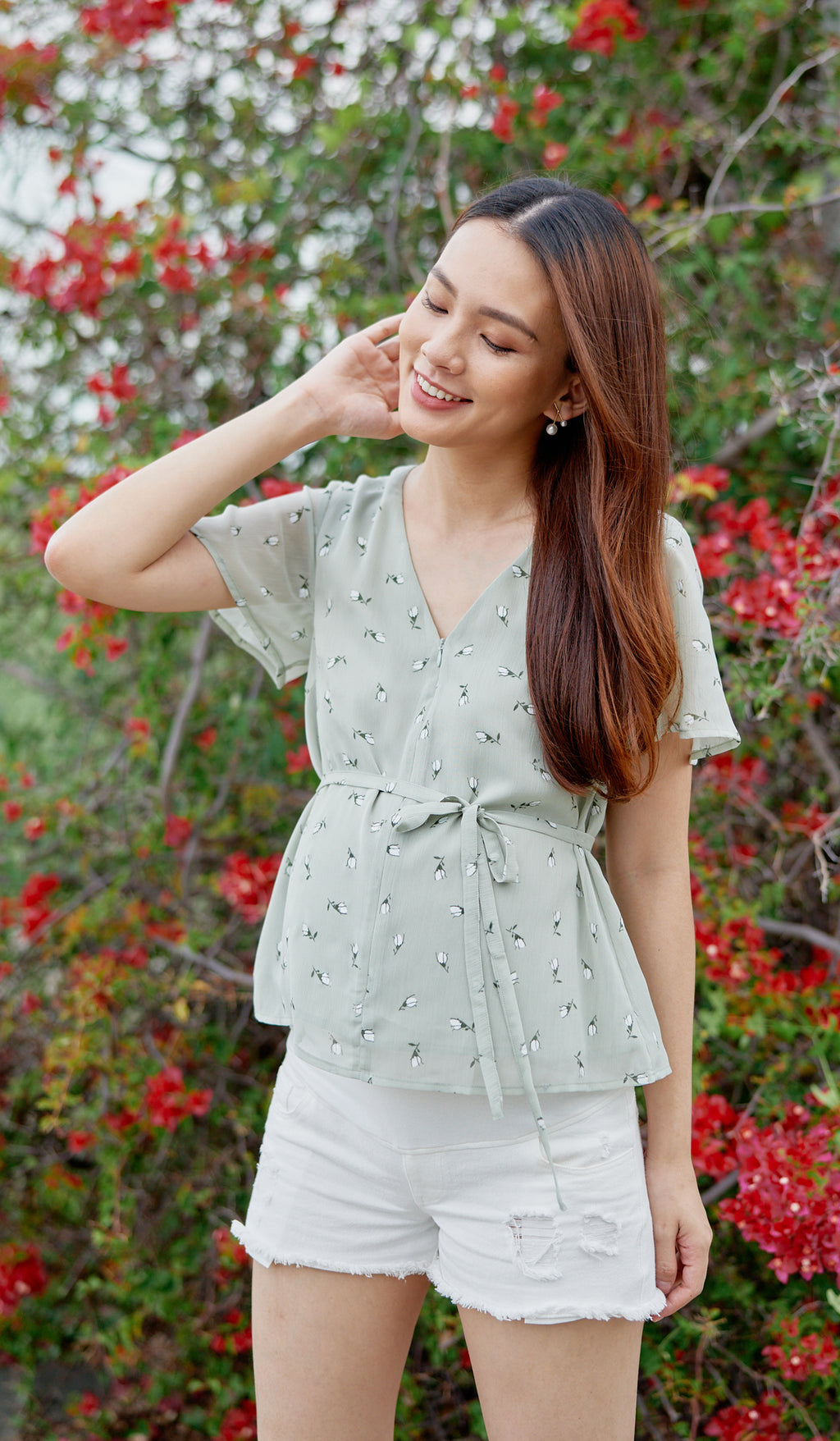 ROSEBUDS NURSING TOP SAGE