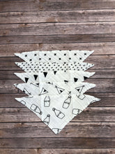 Monochrome bandana bib in milk