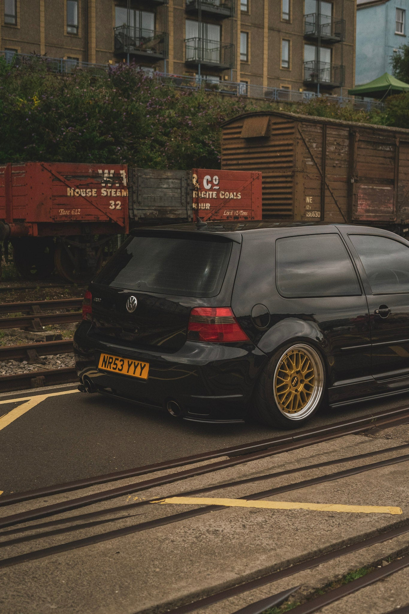 Black and Gold always does the charm, Charlie's Mk4 R32