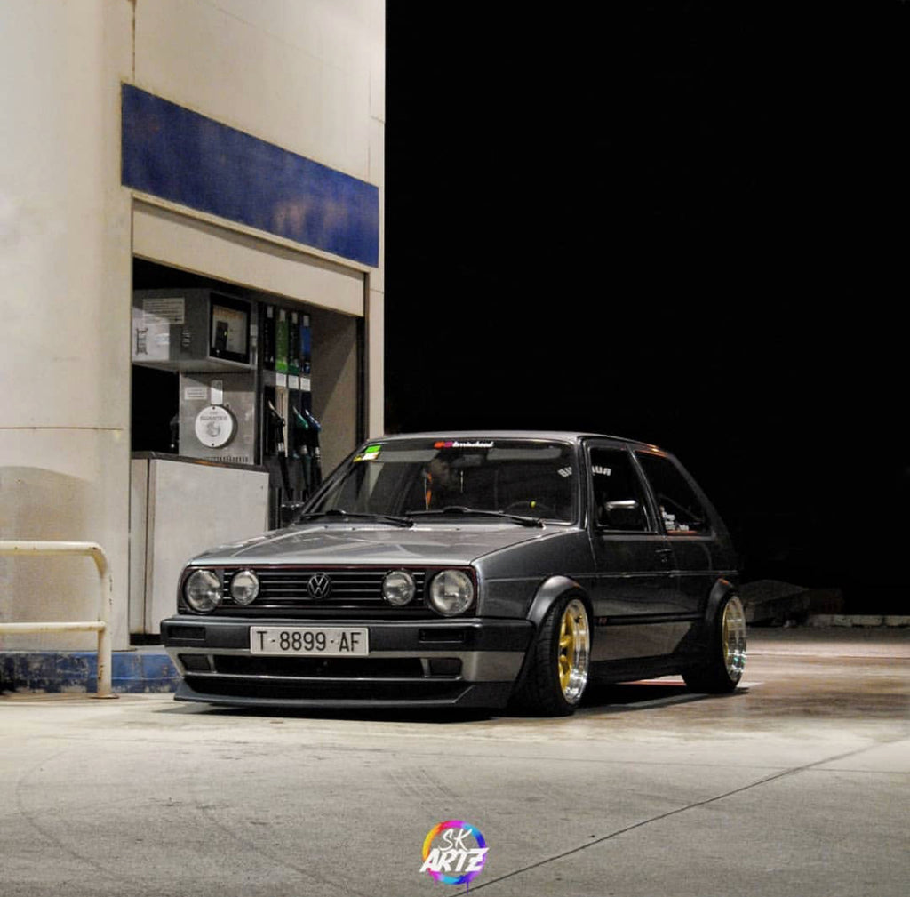 vw mk2 stance at the gas pump