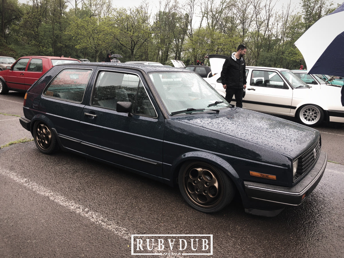 Steph Wong's mk2 golf on porshce phonedials