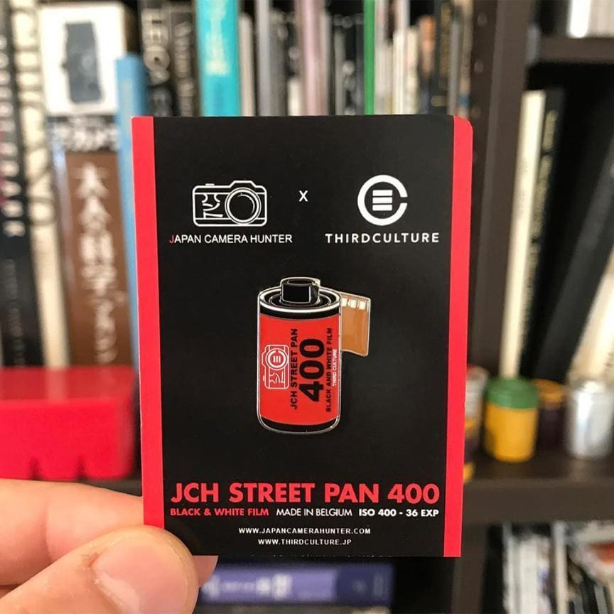 Jch Street Pan 400 35Mm Film Pin (Japan Camera Hunter Collab) - Third Culture