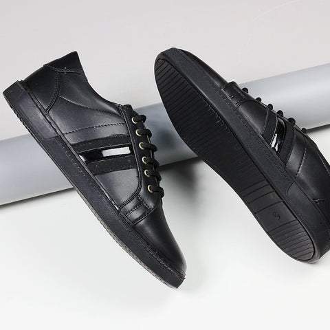 Couch Potato Sneakers With Metallic Stripe : Black