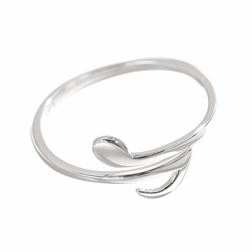 Sterling silver ring adjustable with a split quaver