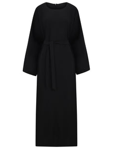 The simple design of this abaya offers a classic silhouette and is elegant in style. Perfect for work ,Hajj and Umrah. This modern cut item can be worn with or without the matching belt.