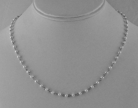 Simple and elegant freshwater pearl silver necklace