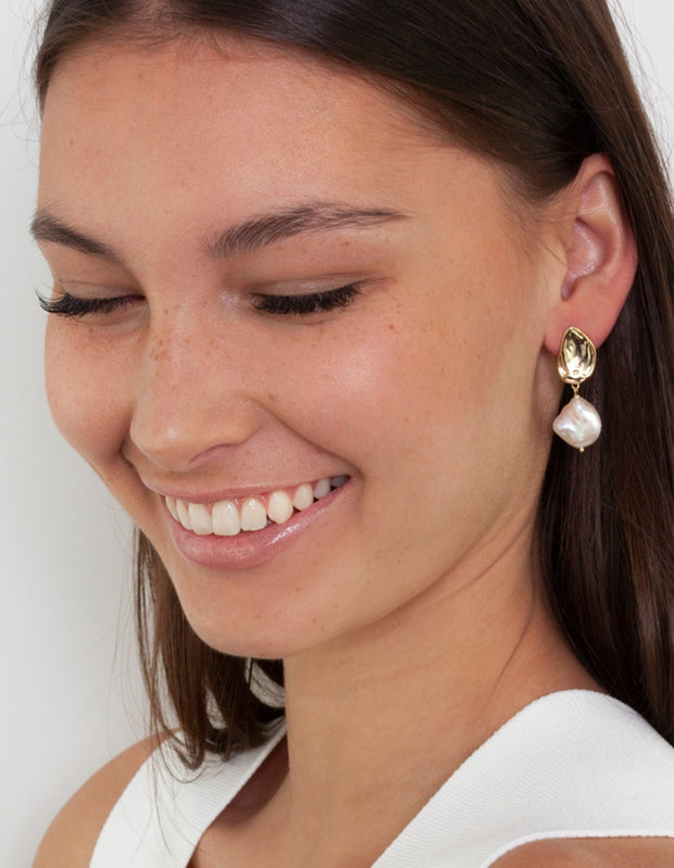Bianc Atlantic Earrings w/ Freshwater Pearl - Gold - Mocha
