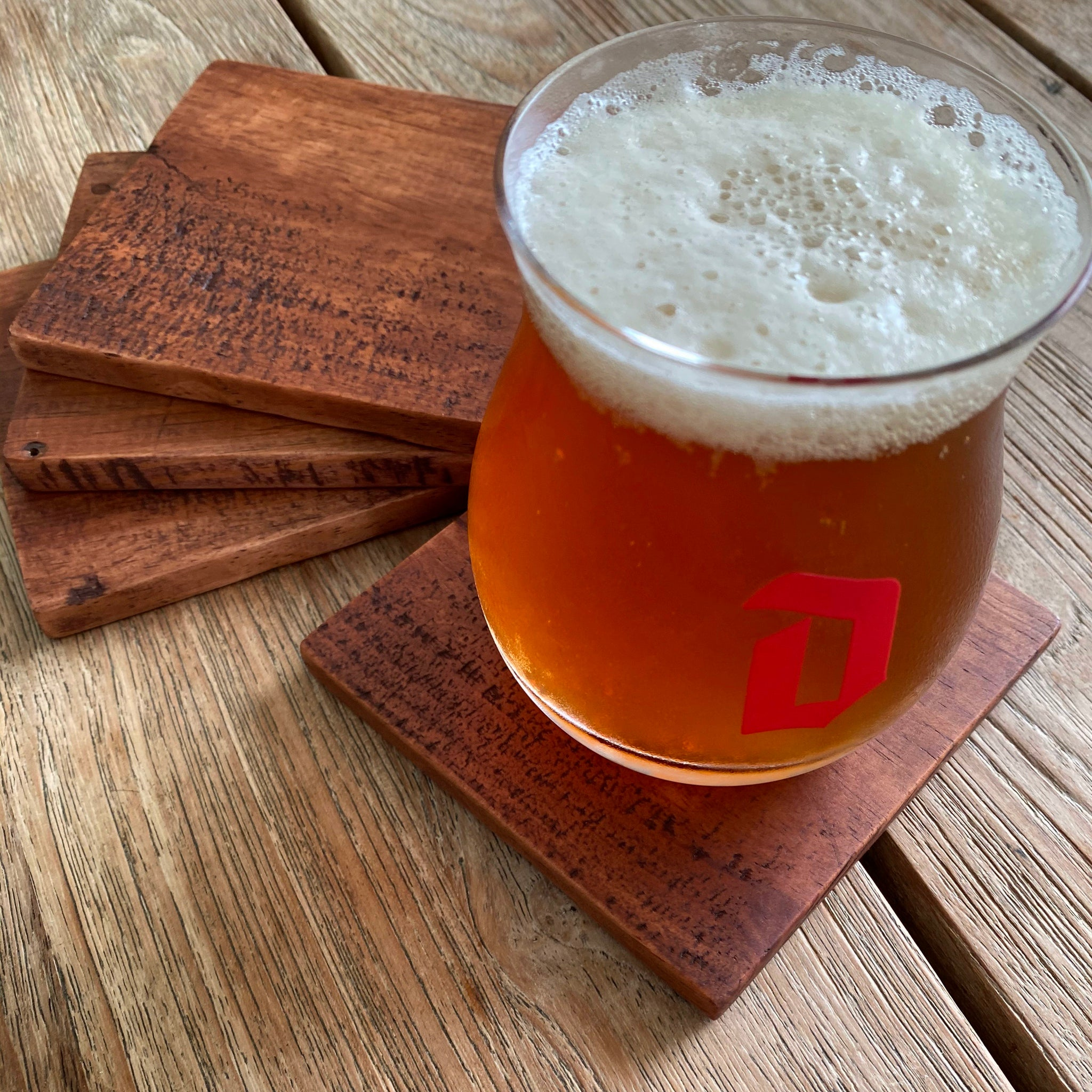 Wood coaster, reclaimed, finlandsvensk, wood stain, red mahogany, beer