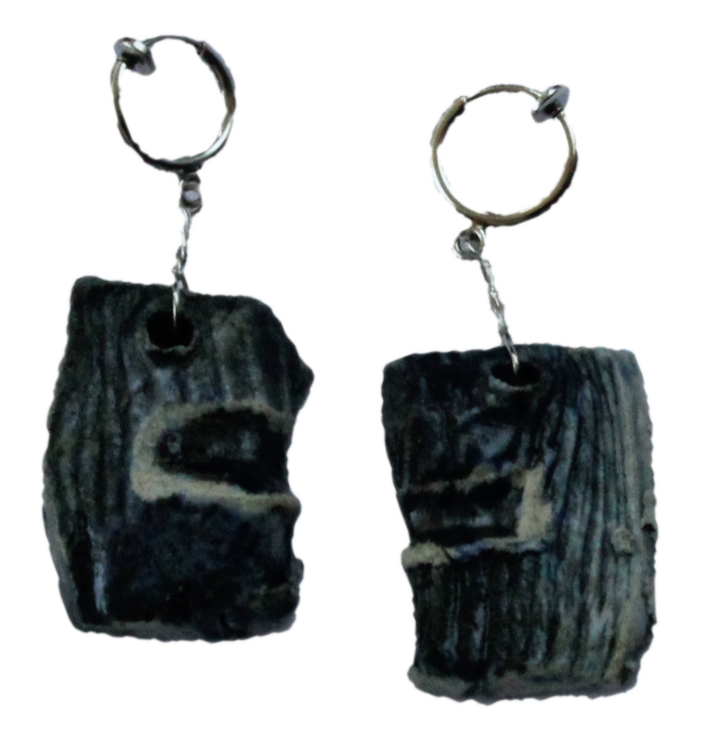 Japanese pottery earrings (rectangular) lying down