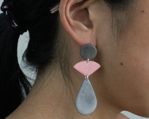 Handmade earring, push back, tagua, colourful, grey, ear