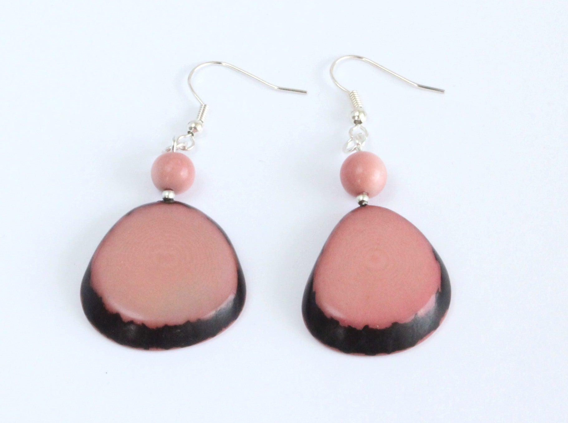 Handmade earring, fish hook, tagua, colourful, pink, front