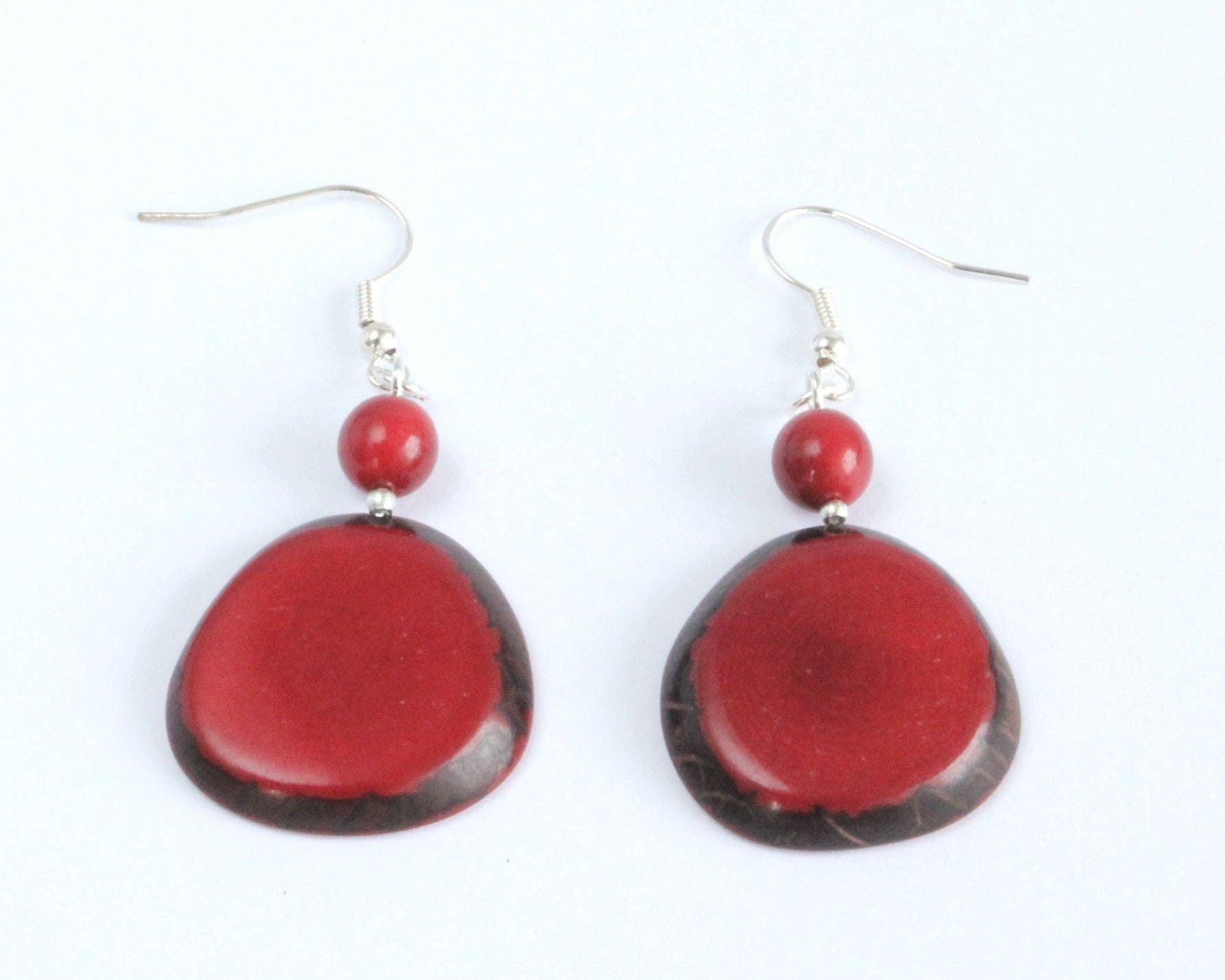 Handmade earring, fish hook, tagua, colourful, red, front