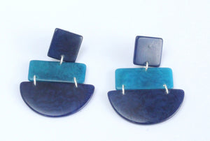 Handmade earring, sustainable, tagua, push back, blue