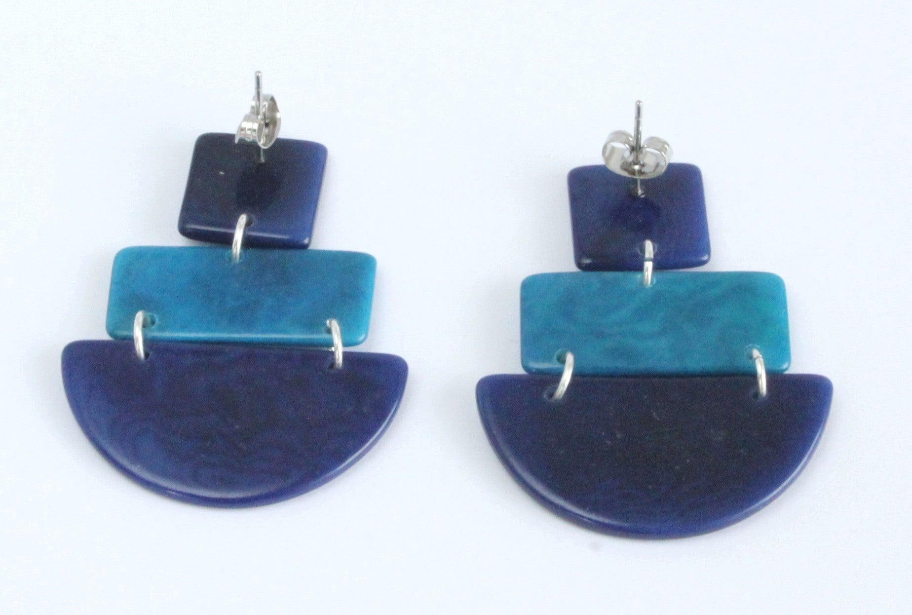 Handmade earring, sustainable, tagua, push back, blue, back